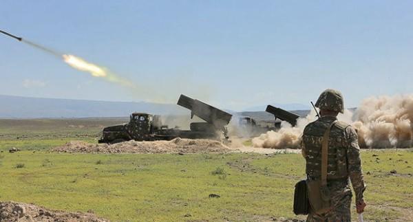 Карабах тяжёлыми боями «пробивается» кперемирию