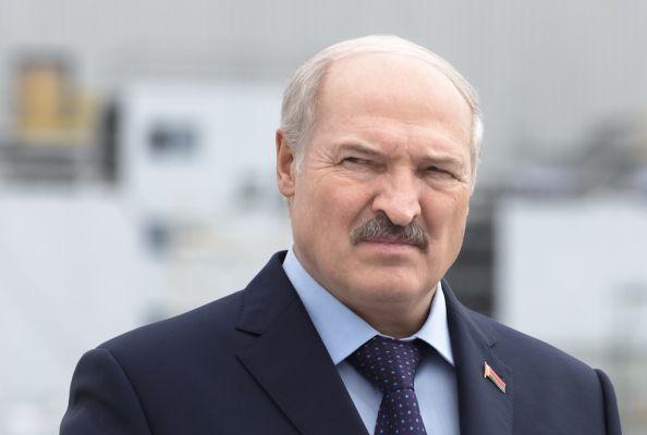 Лукашенко: Поляки— «нечужой нам народ, ноимне стоит бряцать оружием»