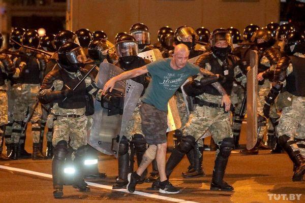 «К2 часам ночи все было кончено»— депутат изАрмении опротестах вМинске