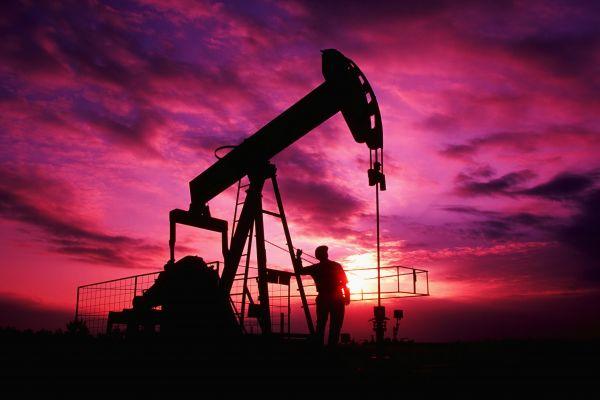 Рост добычи нефти в США бьет рекорды 40-летней давности