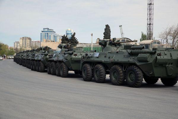 Россия поставила в Азербайджан новую партию оружия и военной техники