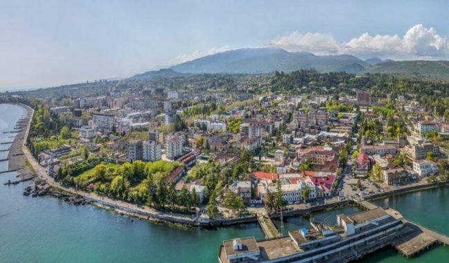 Абхазия: «давай снесем соседа дом»