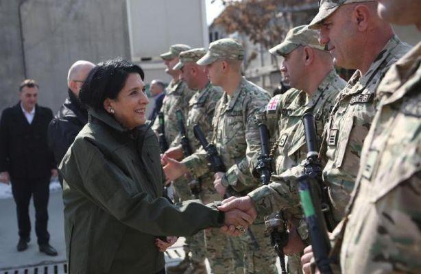 Зурабишили навестила грузинских миротворцев вАфганистане