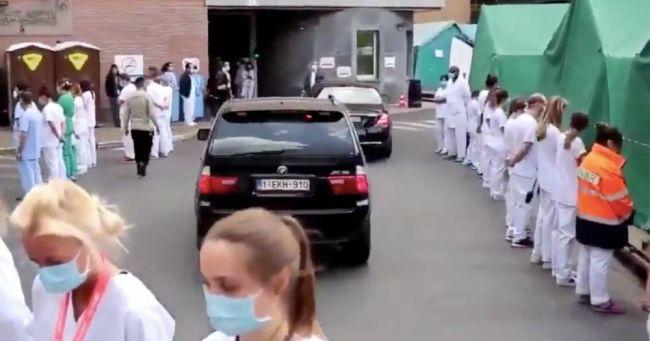 В Бельгии устроили «коридор позора» для премьер-министра