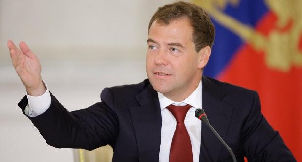Медведев об отношениях с Украиной: шарик на стороне Киева