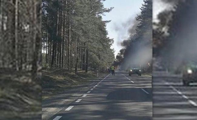 В Польше сгорел армейский джип США, трое солдат ранены